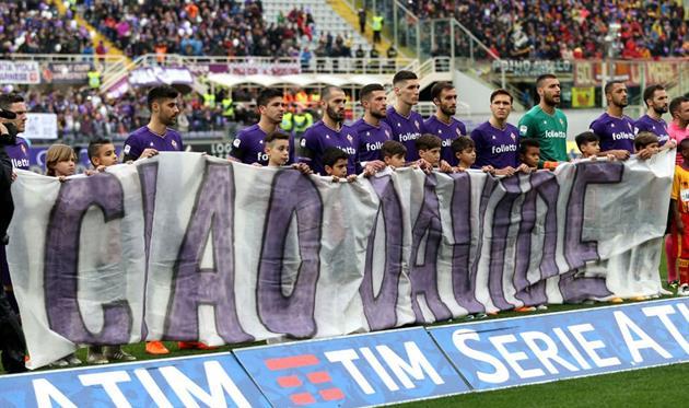 Есть люди, которые не умирают — фанаты Фиорентины почтили память Астори на матче с Беневенто