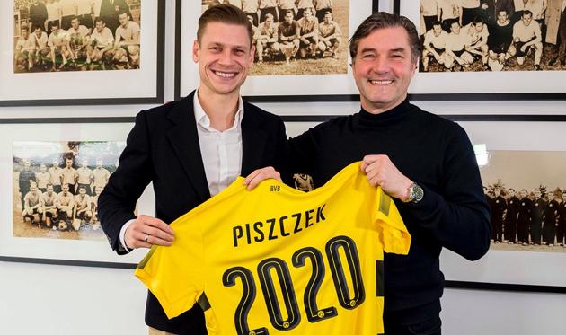 Лукаш Пищек (слева), bvb.de