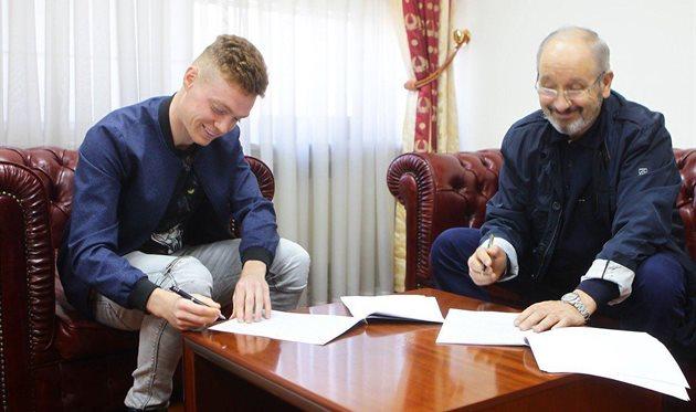 Цыганков продлил контракт с Динамо на 5 лет