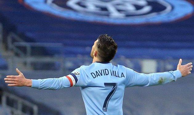 Давид Вилья — автор 400 мячей за карьеру, и снова
