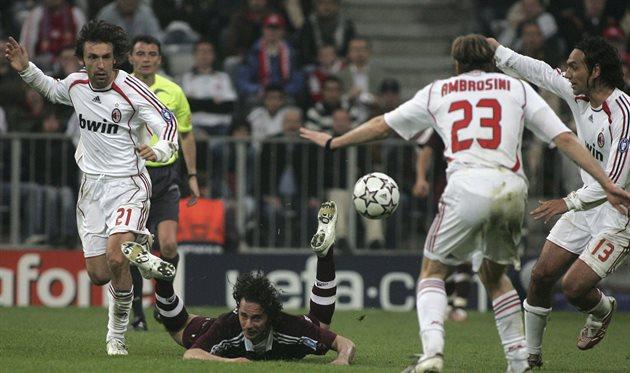 В свое время Андреа Пирло и Массимо Амброзини вместе играли за Милан, Getty Images