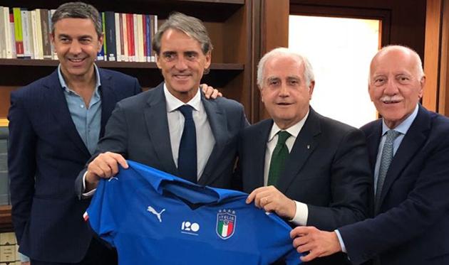 Роберто Манчини (второй слева), фото: FIGC