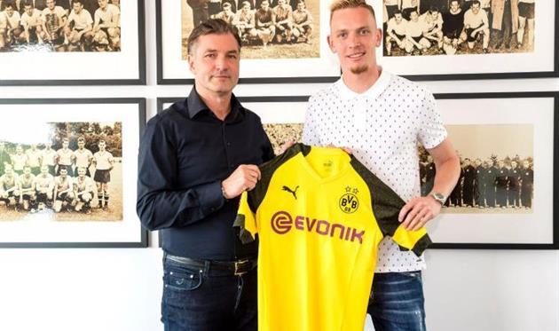 Боруссия подписала еще одного игрока на позицию Ярмоленко