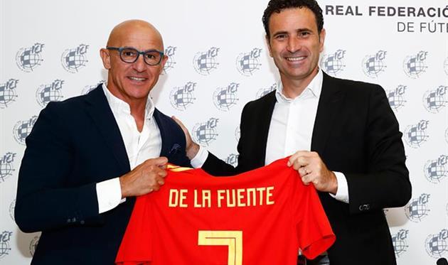 Луис де ла Фуэнте (слева) и Хосе Франсиско Молина, фото федерации футбола Испании