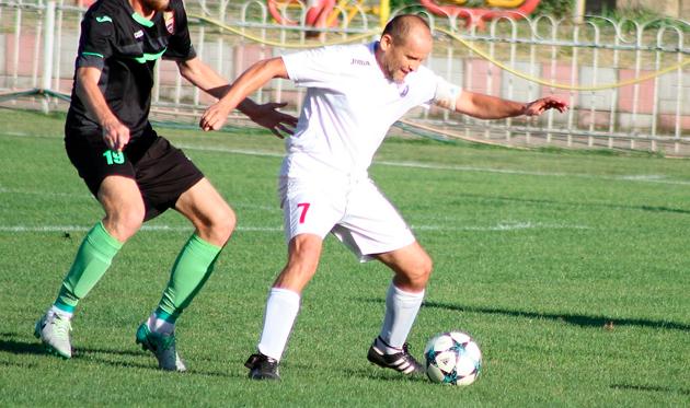 Во Второй лиге сыграл 52-летний футболист — это рекорд
