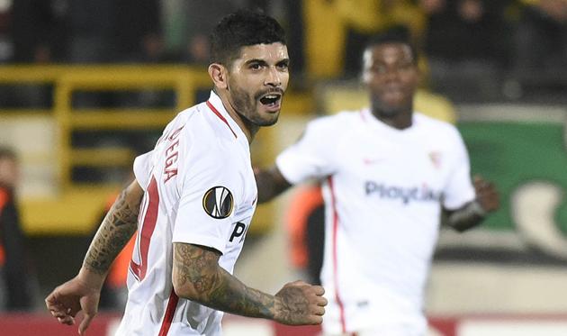 Банега реализовал победный пенальти, twitter.com/SevillaFC