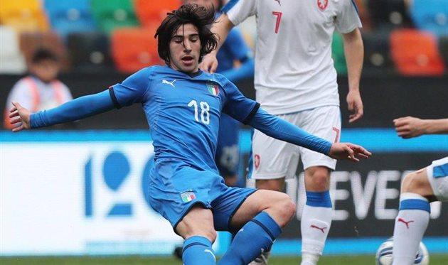 Манчини вызвал в сборную 18-летнего Тонали из Серии Б