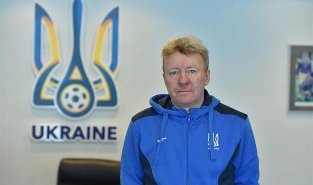 Павел Кузнецов - главный тренер, фото ФФУ