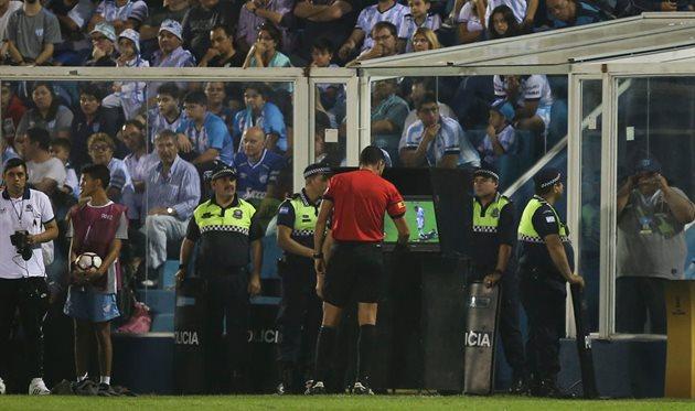 VAR протестирую в товарищеском матче Италии и США, Getty Images
