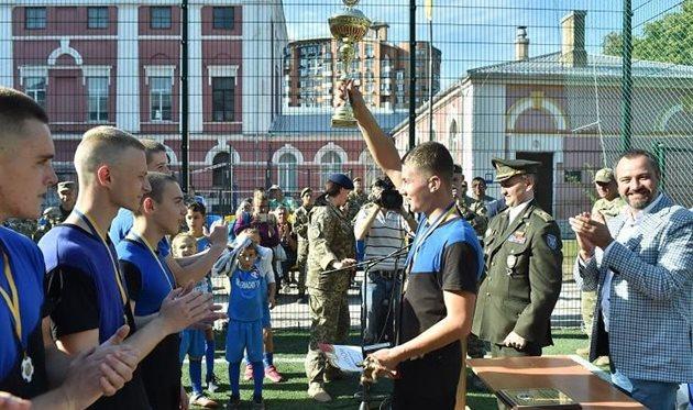 ФФУ привітала військовослужбовців з днем збройних сил України