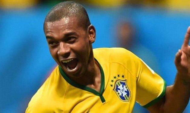 Фернандиньо не хочет играть за сборную Бразилии из-за оскорблений его семьи