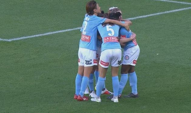 Первый матч года начался в Японии, но завершился в Австралии