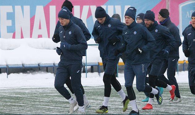 Первая тренировка Олимпика в 2019 году, фото ФК Олимпик