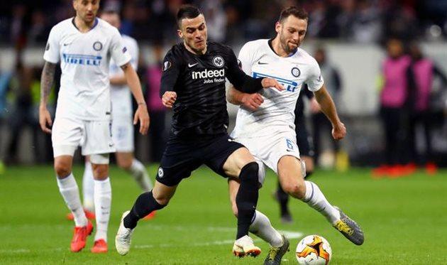 Интер и Айнтрахт не сумели забить в первом поединке 1/8 финала Лиги Европы