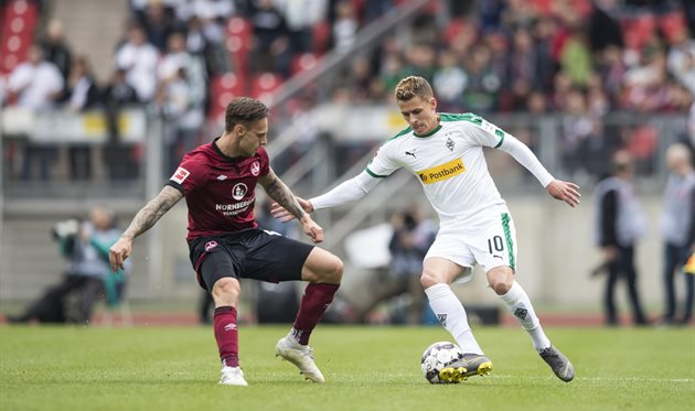 Аугсбург- нюрнберг. футбол