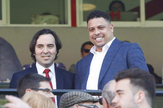 Роналдо (слева), Marca