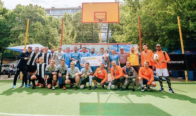 Украинские звезды и журналисты сыграли в футбол по правилам Red Bull Neymar Jr's Five!