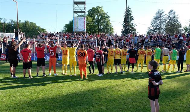 В Швейцарии команды обменялись гостевыми победами 4:0 в плей-офф за выживание