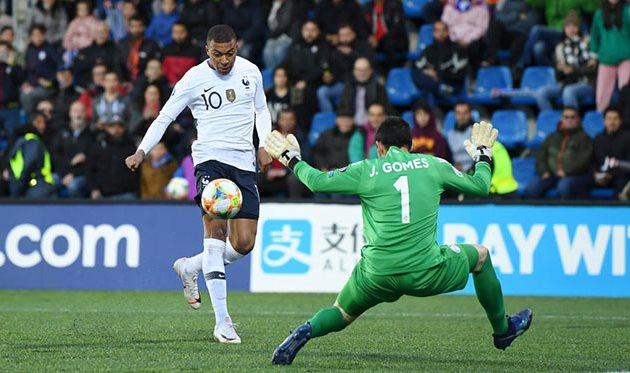 Мбаппе забивает свой сотый гол, Getty Images
