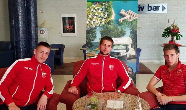 Алекса Терзич (слева), ФК Црвена Звезда
