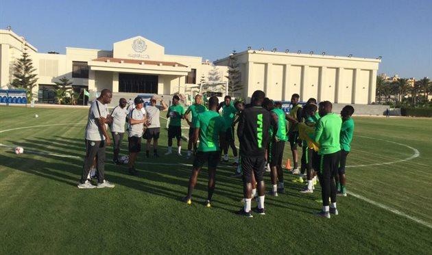 Прерванная тренировка сборной Нигерии, фото официального Твиттера КАН-2019