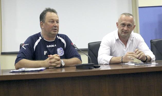 Ангел Червенков (слева), ФК Черноморец