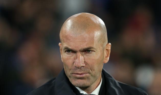 Зидан покинул американский сбор Реала посемейным обстоятельствам