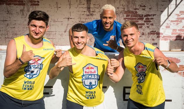 Неймар вернулся после травмы на Мировой Финал Red Bull Neymar Jr's Five