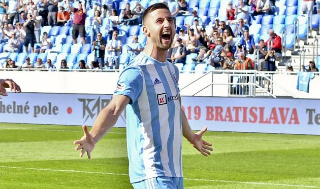 Андраш Шпорар стал автором победного мяча, фото ФК Слован