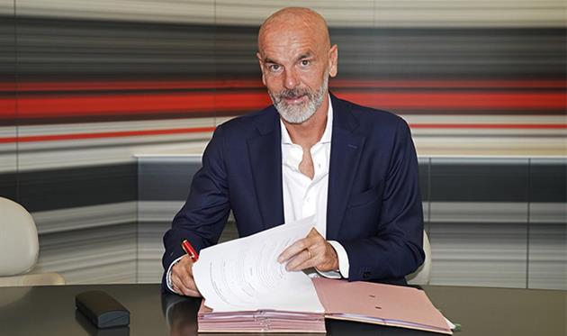 Стефано Пьоли - новый главный тренер Милана, фото acmilan.com