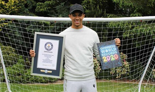 Футболист «Ливерпуля» вошёл вКнигу рекордов Гиннесса