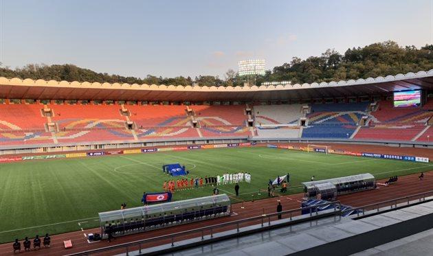 Трибуны на матче Северная Корея - Южная Корея, фото Бергстрема