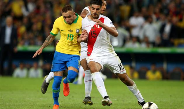 Карлос Самбрано (справа), Getty Images