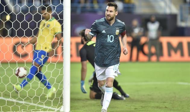 Лионель Месси в матче Аргентина - Бразилия, photo AFA
