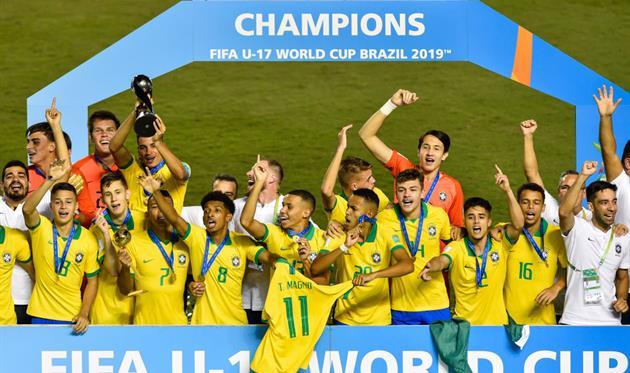 Бразилия празднует победу на ЧМ U-17, Getty Images
