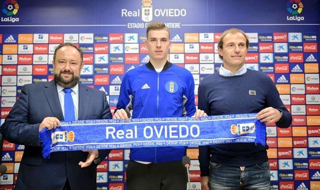 Андрей Лунин (по центру), photo Real Oviedo