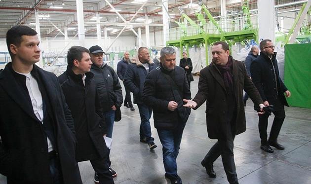 Члени парламентської ТСК пересвідчилися в унікальності заводу