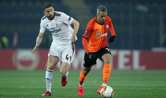 Таарабт и Марлос, фото УЕФА