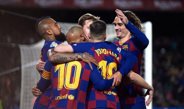 Игроки Барселоны, getty images