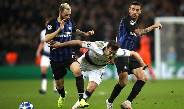 Весино и Брозович в матче против Тоттенхэма, Getty Images