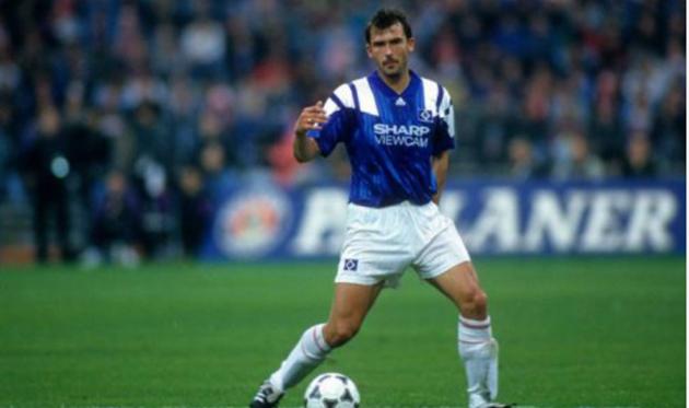 Немецкий футболист умерший в 1996 году