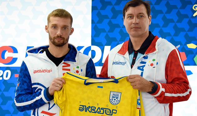 Денис Шелихов (слева), ФК Николаев
