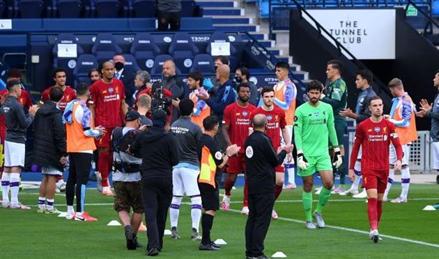 Чемпионский коридор от игроков Манчестер Сити, getty images
