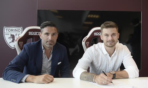 Кароль Линетти (справа), фото ФК Торино
