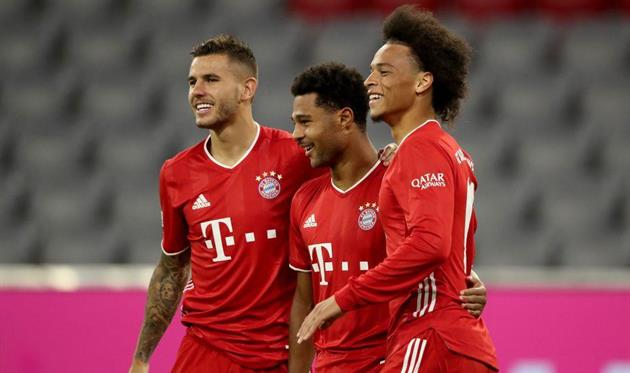 Игроки Баварии празднуют победу над Шальке, Getty Images