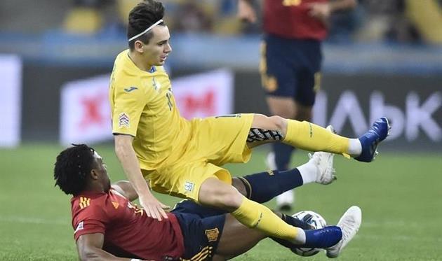 Николай Шапаренко в матче с Испанией, УАФ