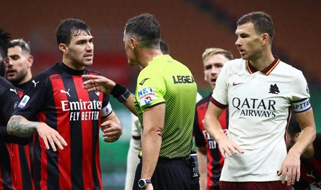 У Пьеро Джакомелли хватало размолвок с капитанами Милана Алессио Романньоли и Ромы Эдином Джеко, Getty Images
