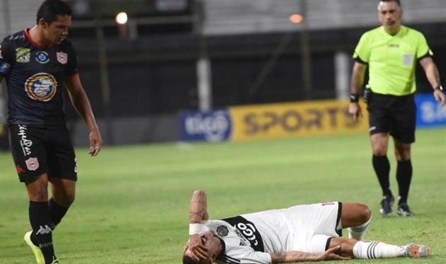 Дерлис Гонсалес порвал крестообразные связки колена