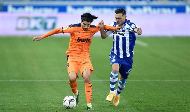 Валенсия отыграла два мяча у Алавеса