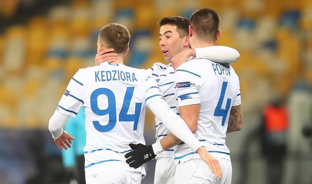 Томаш Кендзера, Карлос Де Пена и Денис Попов, фото ФК Динамо Киев